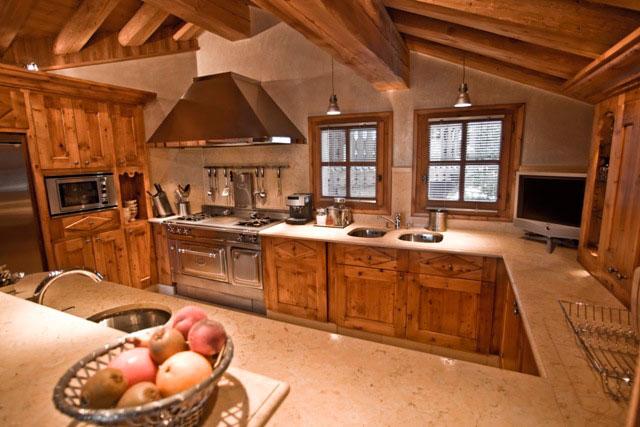 Интерьер кухни в стиле шале: натуральность, комфорт и минимализм