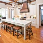 Интерьер белой кухни в стиле классика