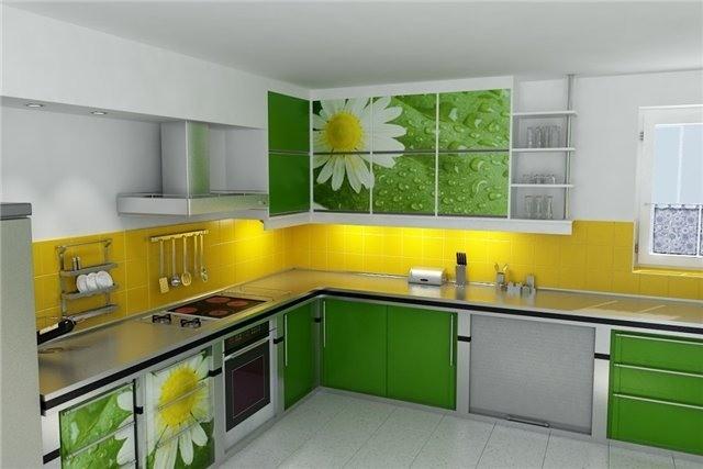 Дизайн  желто-зеленой угловой кухни с фотопечатью на фасаде