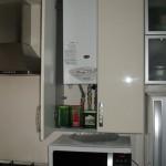 кухонные гарнитуры для маленькой кухни с газовой колонкой