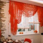 оформление окна на кухне фото