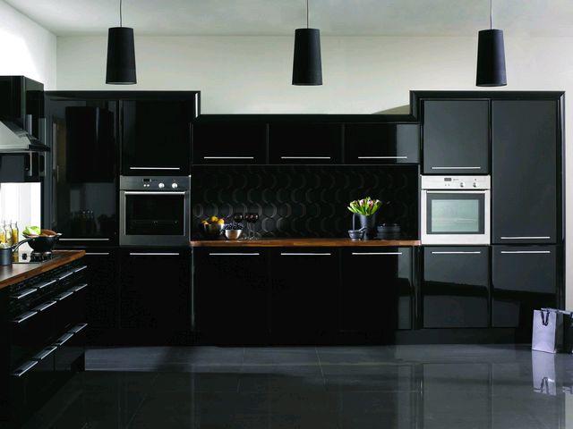 черно белая кухня в интерьере