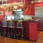 дизайн кухни красного цвета фото
