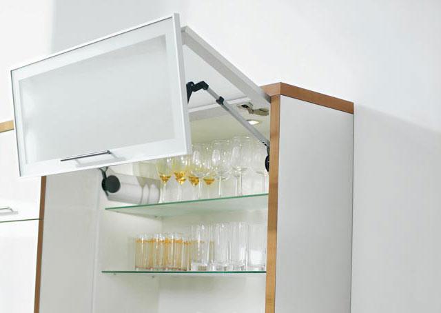 пневматические петли для кухонных шкафчиков