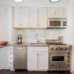 бытовая техника на очень маленькой кухне