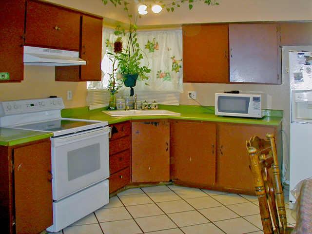 кухня оранжево зеленая