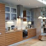 Кухня зебрано с зеркалом
