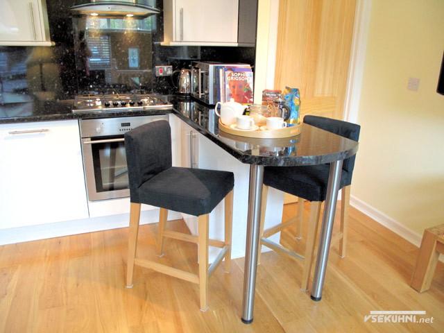 Фото: маленькие кухни с барной стойкой