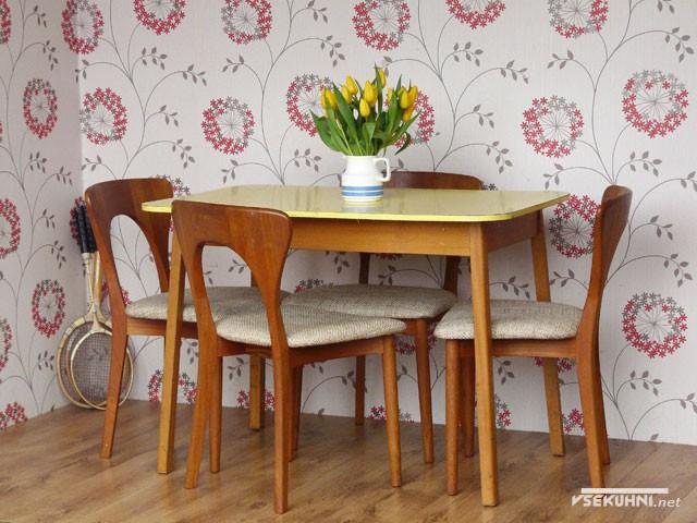 Набор мебели с мягкими сидушками