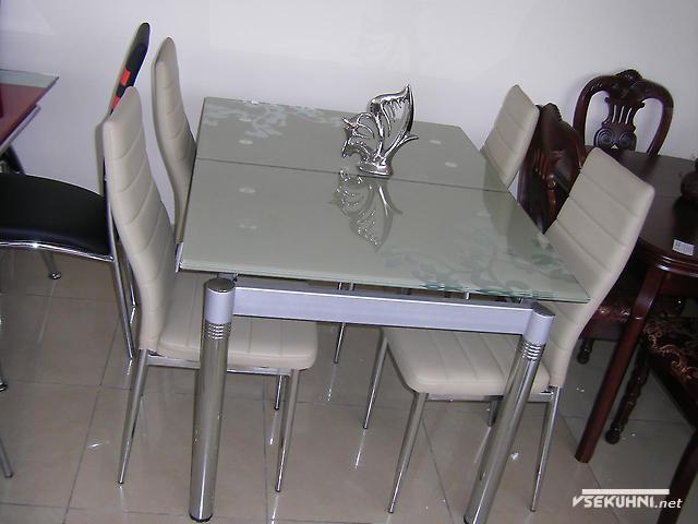 Стеклянные столы для кухни трансформеры