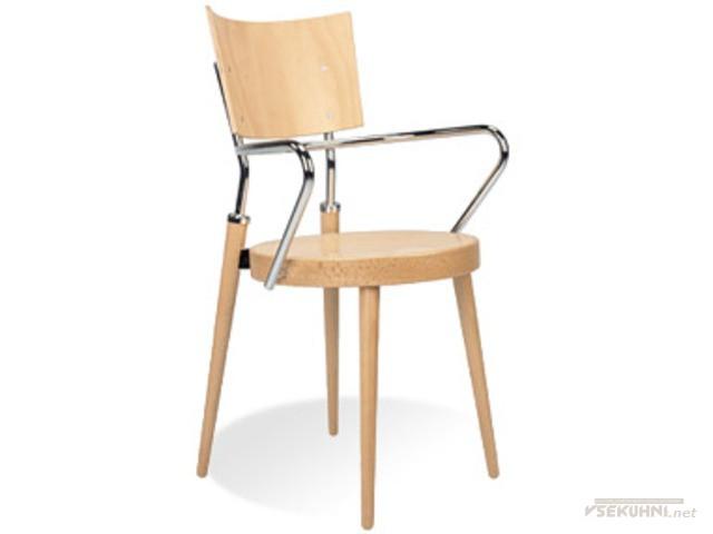 Стул кресло для кухни сочетает в себе несколько материалов