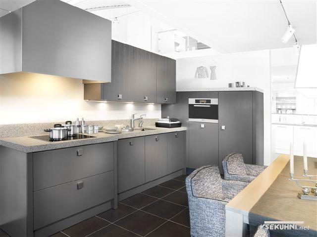 Серые модули для кухни