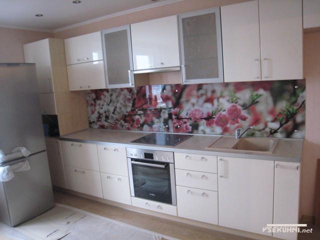 Стеклянное панно для кухни с цветочным орнаментом