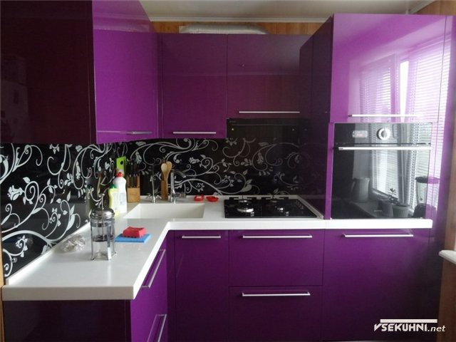 Панно на кухню из стекла в черном цвете