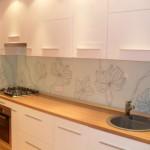 оригинальное панно на кухню из стекла