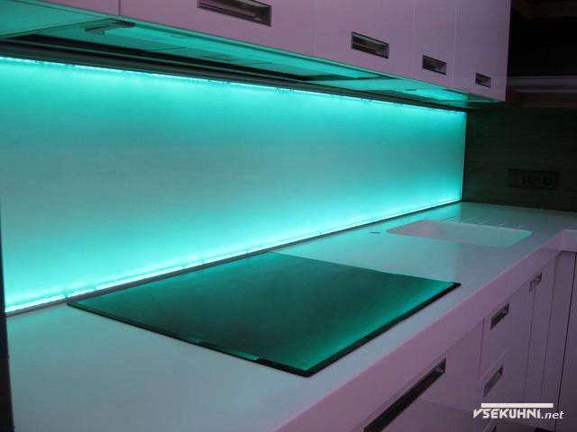 Голубая светодиодная подсветка для кухни