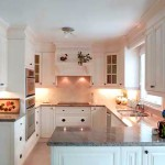 Подсветка рабочего стола кухни в английском стиле