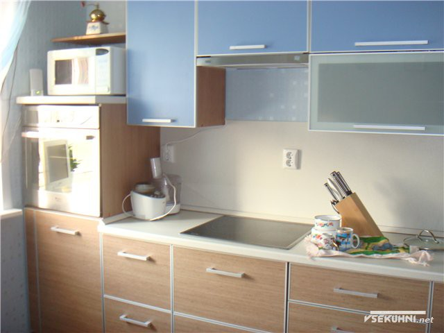 Модульная мебель для кухни столплит с навесными шкафчиками