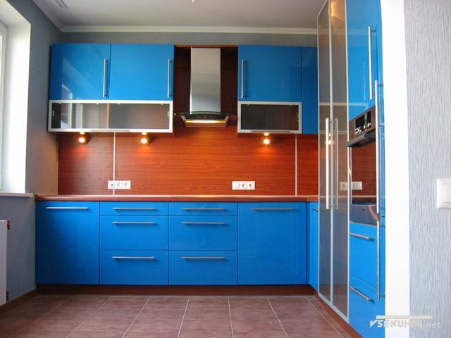 Модульная мебель для кухни в синем цвете