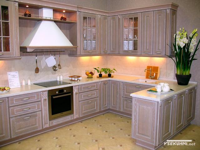 Модульная мебель для кухни классического стиля
