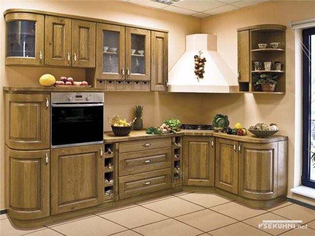 Угловая мебель для маленькой кухни в классике