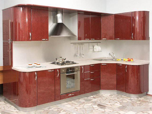 Угловая мебель для кухни с глянцевым напылением