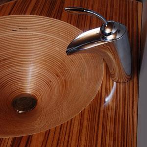 Столешница из дерева для кухни - фото