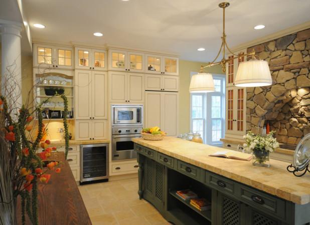 Фото - кухонная столешница из плитки
