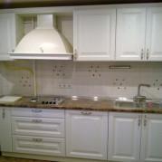 Белая прямая кухня - фото