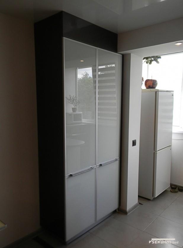 Газовый нагреватель на кухне 23 кв м - фото