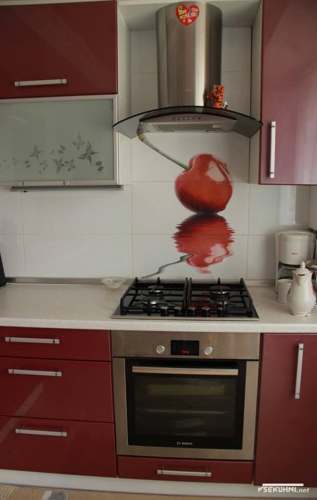 кухни красного цвета угловые