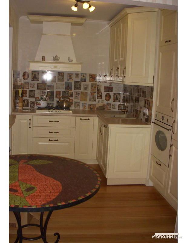 Угловая кухня в классическом стиле - фото