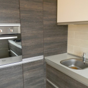 Обустройство угловой кухня в стиле модерн - фото