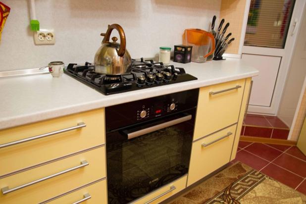 Бытовая техника для угловой кухни - фото