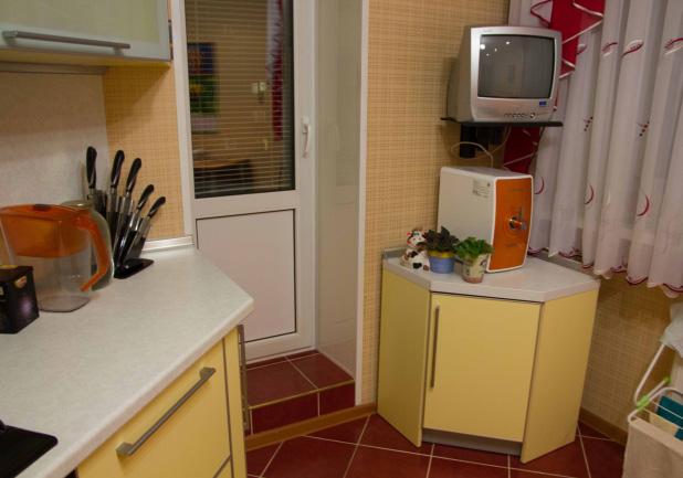 Желтая кухня 12 кв м